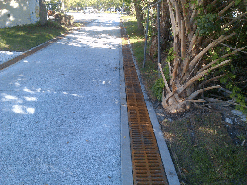Dura Trench drain with iron trench grate