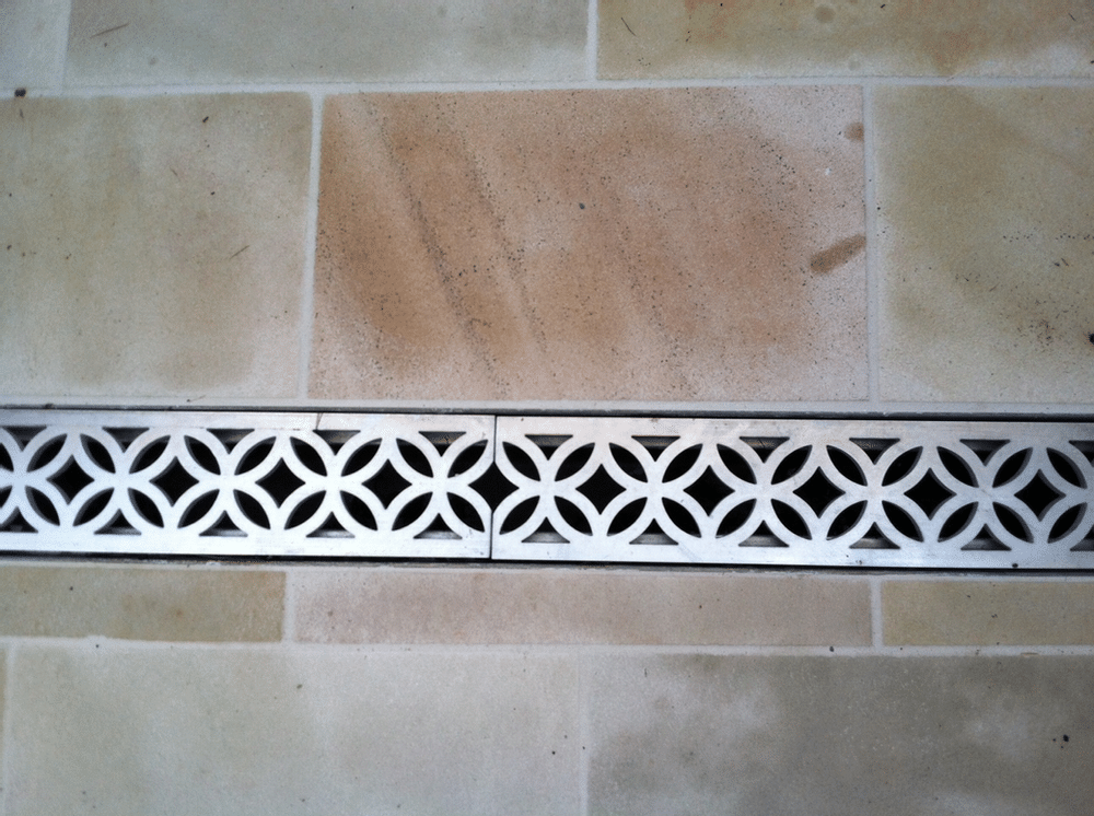Decorative aluminum trench drain grate