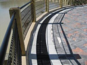 raidus trench drain system