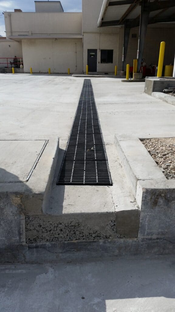 Wide loading dock trench drain