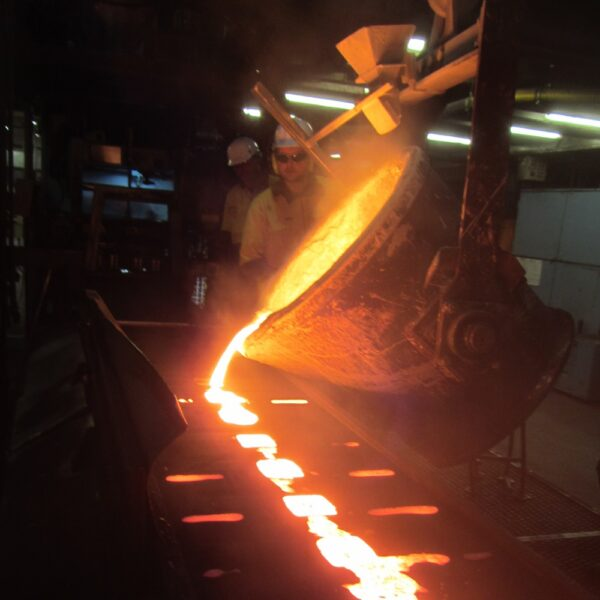 pouring casting iron trench drain grates