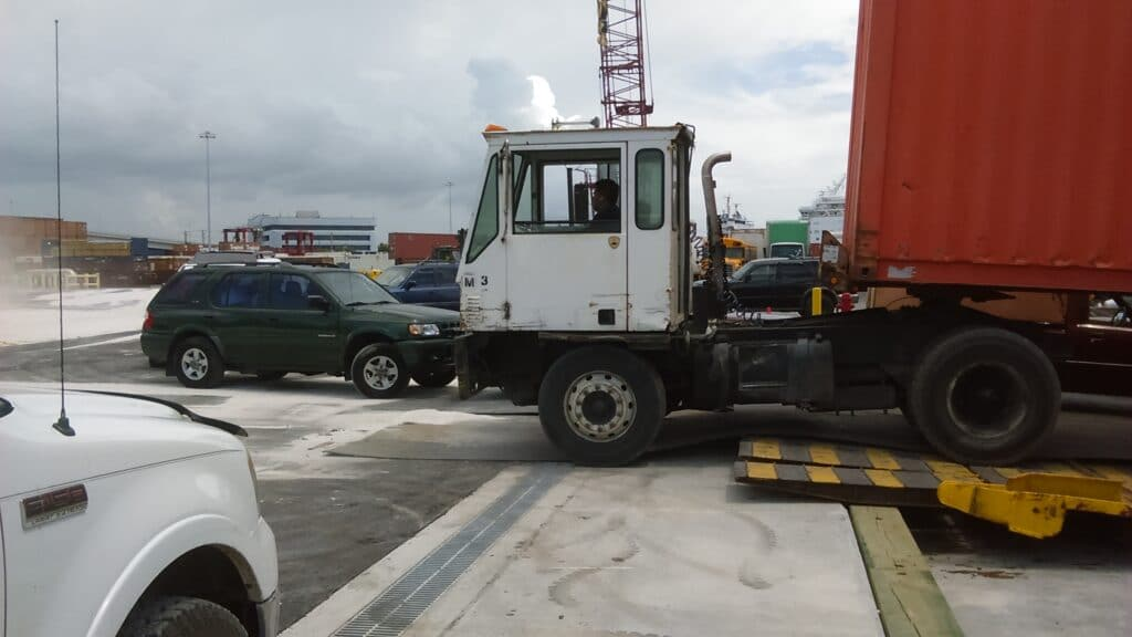 Truck Traffic trench drain system