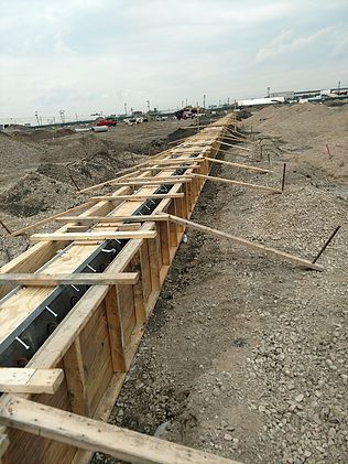 Sea port container yard trench drain
