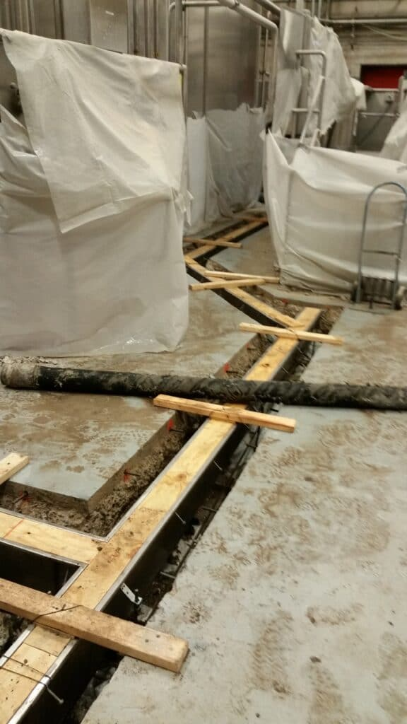Stainless trench drain construction